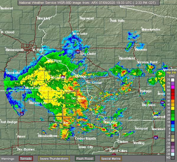Radar Image for Severe Thunderstorms near Castalia, IA at 7/9/2020 2:40 PM CDT