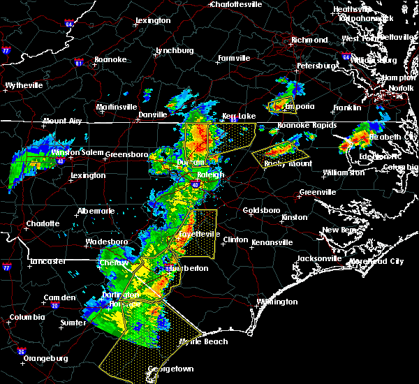 Radar Image for Severe Thunderstorms near Fayetteville, NC at 6/30/2015 7:58 PM EDT