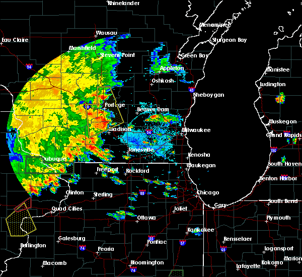 Radar Image for Severe Thunderstorms near Madison, WI at 7/9/2020 5:26 PM CDT