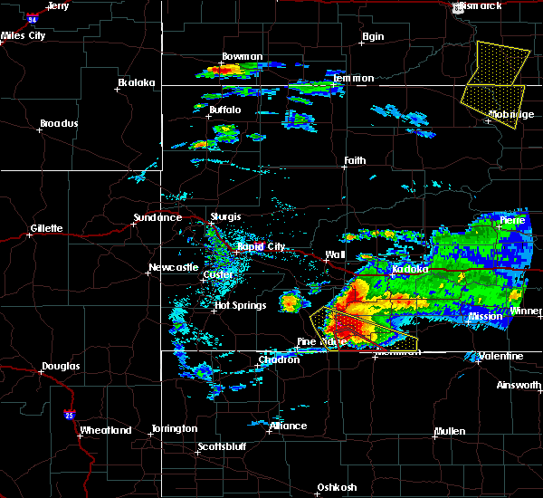 Radar Image for Severe Thunderstorms near Batesland, SD at 7/10/2020 6:50 PM MDT