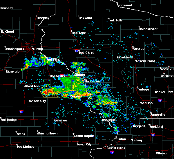 Radar Image for Severe Thunderstorms near McIntire, IA at 7/11/2020 7:44 AM CDT