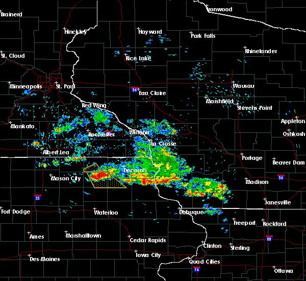 Radar Image for Severe Thunderstorms near Elma, IA at 7/11/2020 8:29 AM CDT