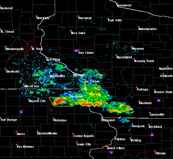 Radar Image for Severe Thunderstorms near Jackson Junction, IA at 7/11/2020 8:41 AM CDT