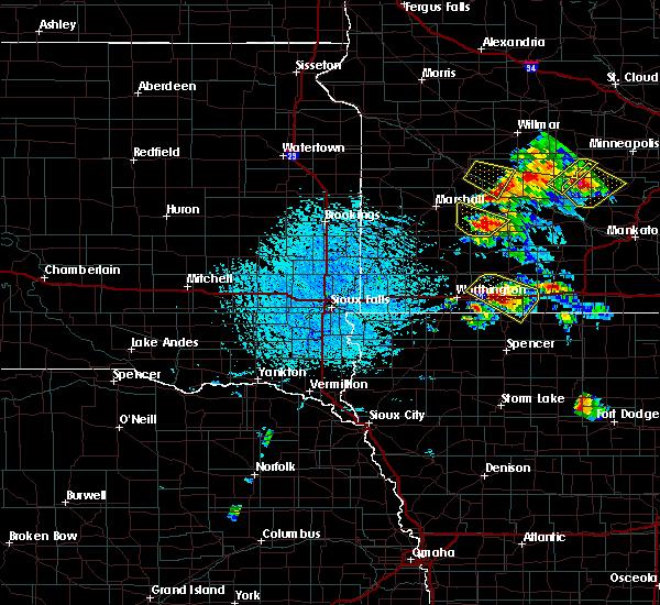 Radar Image for Severe Thunderstorms near Revere, MN at 7/11/2020 2:01 PM CDT