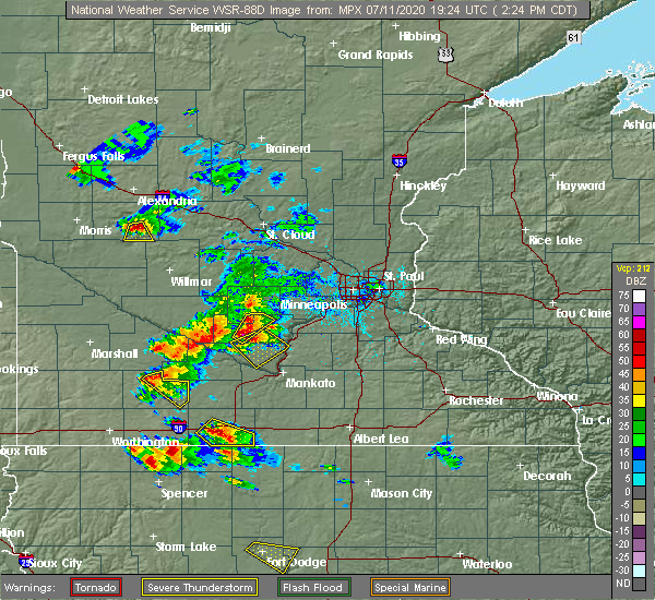 Radar Image for Severe Thunderstorms near Winthrop, MN at 7/11/2020 2:33 PM CDT
