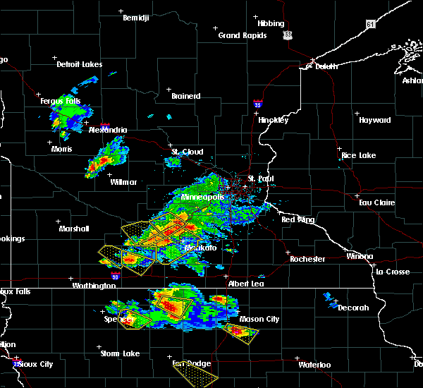 Radar Image for Severe Thunderstorms near Mankato, MN at 7/11/2020 3:13 PM CDT