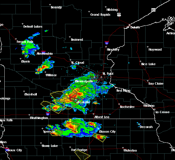 Radar Image for Severe Thunderstorms near Mankato, MN at 7/11/2020 3:25 PM CDT
