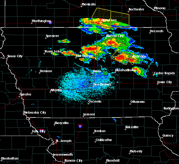 Radar Image for Severe Thunderstorms near Evansdale, IA at 7/11/2020 4:32 PM CDT