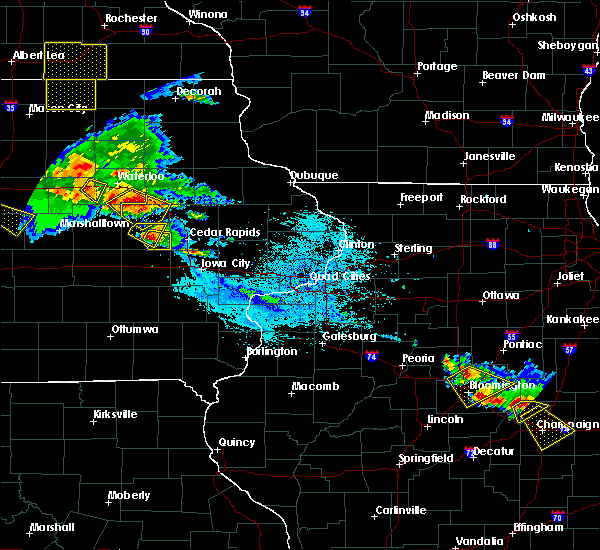 Radar Image for Severe Thunderstorms near Newhall, IA at 7/11/2020 5:13 PM CDT