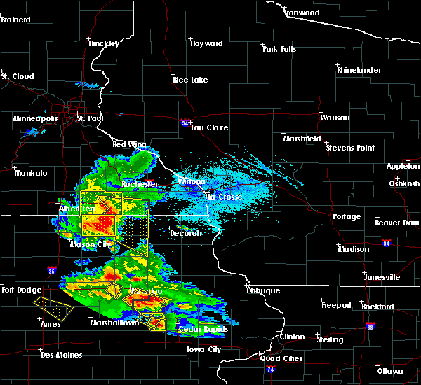 Radar Image for Severe Thunderstorms near Otranto, IA at 7/11/2020 5:15 PM CDT