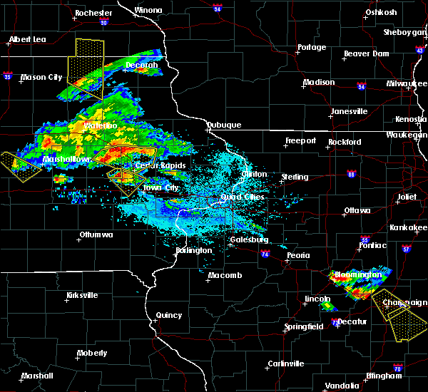 Radar Image for Severe Thunderstorms near Tiffin, IA at 7/11/2020 5:36 PM CDT