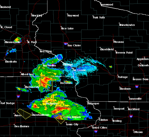 Radar Image for Severe Thunderstorms near Chester, IA at 7/11/2020 5:40 PM CDT
