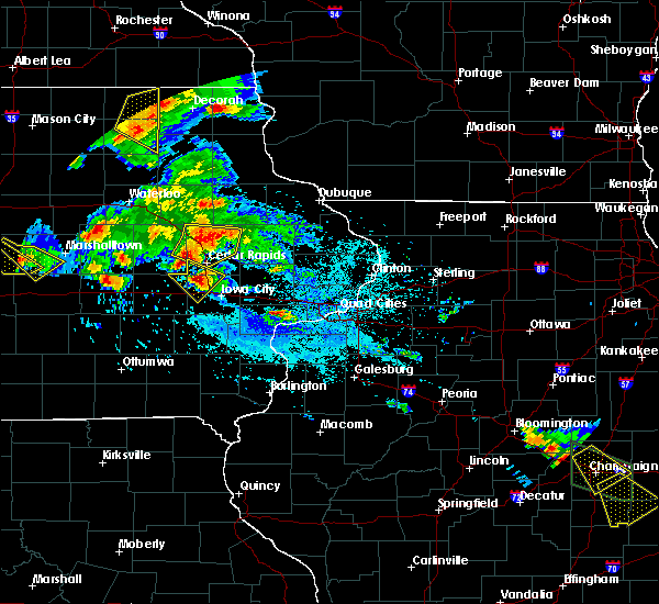 Radar Image for Severe Thunderstorms near Tiffin, IA at 7/11/2020 5:56 PM CDT