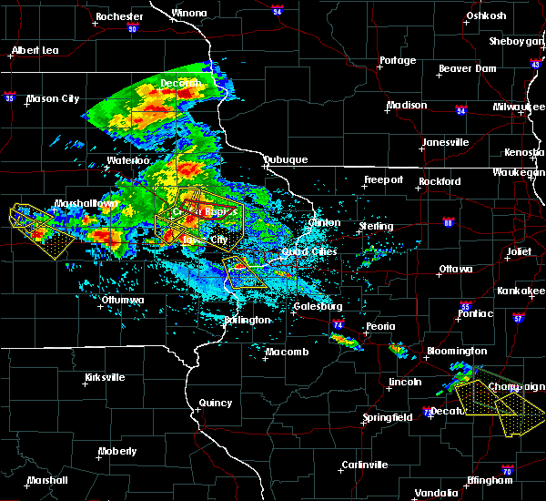 Radar Image for Severe Thunderstorms near Martelle, IA at 7/11/2020 6:17 PM CDT