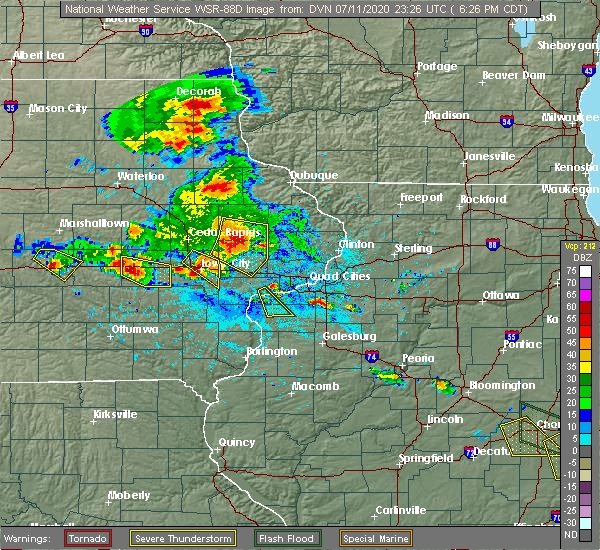 Radar Image for Severe Thunderstorms near Iowa City, IA at 7/11/2020 6:33 PM CDT