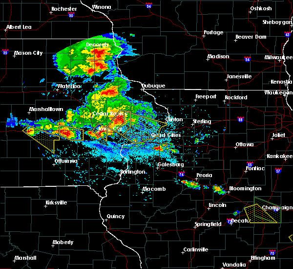 Radar Image for Severe Thunderstorms near Williamsburg, IA at 7/11/2020 6:43 PM CDT