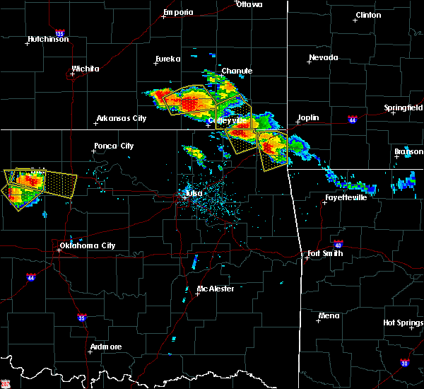 Radar Image for Severe Thunderstorms near Welch, OK at 7/11/2020 7:16 PM CDT