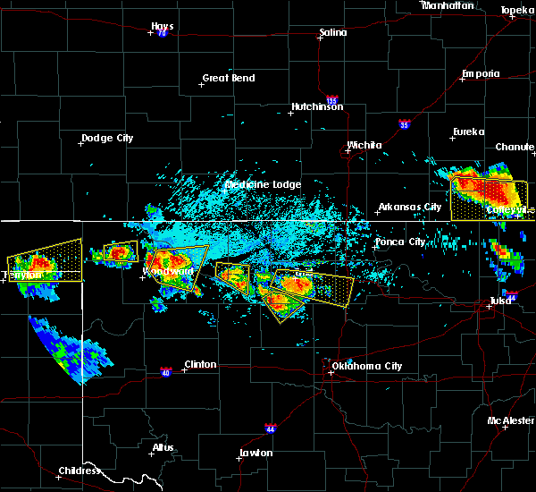 Radar Image for Severe Thunderstorms near Hennessey, OK at 7/11/2020 7:24 PM CDT