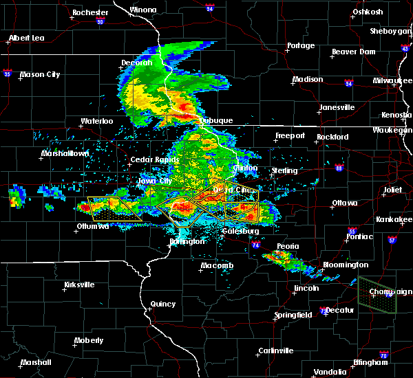 Radar Image for Severe Thunderstorms near Kewanee, IL at 7/11/2020 7:30 PM CDT
