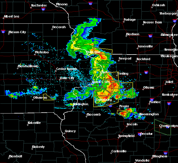 Radar Image for Severe Thunderstorms near Kewanee, IL at 7/11/2020 8:06 PM CDT