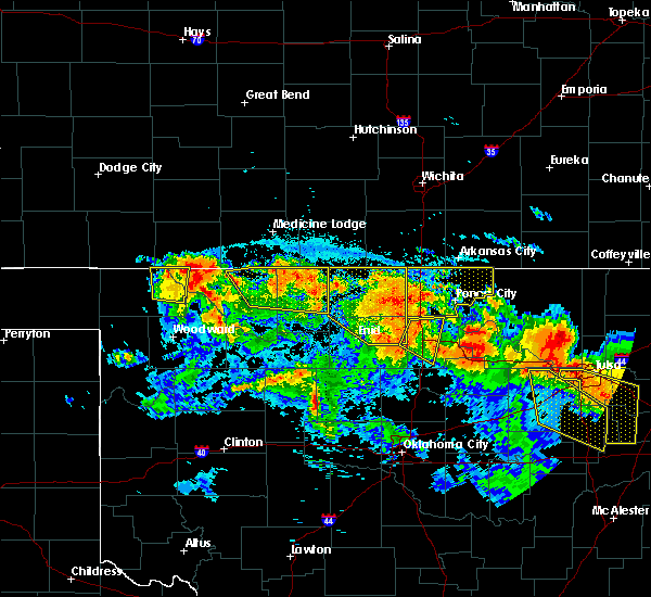 Radar Image for Severe Thunderstorms near Newkirk, OK at 7/11/2020 10:06 PM CDT