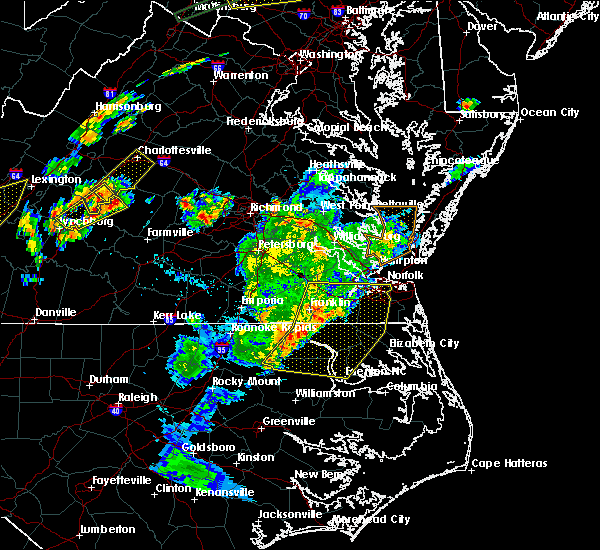 Radar Image for Severe Thunderstorms near Chesapeake, VA at 6/30/2015 10:33 PM EDT