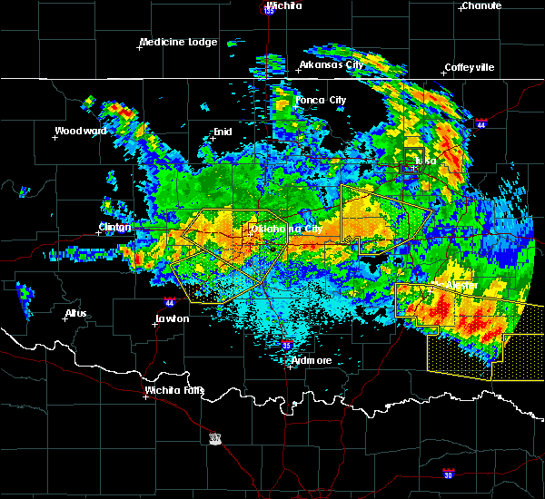Radar Image for Severe Thunderstorms near Mustang, OK at 7/12/2020 12:01 AM CDT