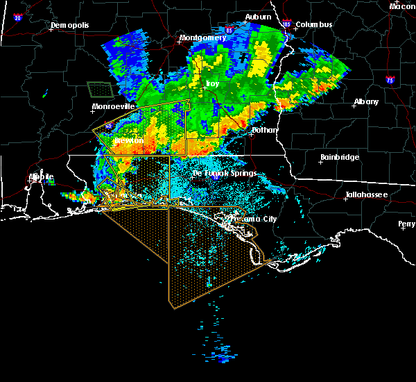 Radar Image for Severe Thunderstorms near Lynn Haven, FL at 7/12/2020 6:36 PM CDT