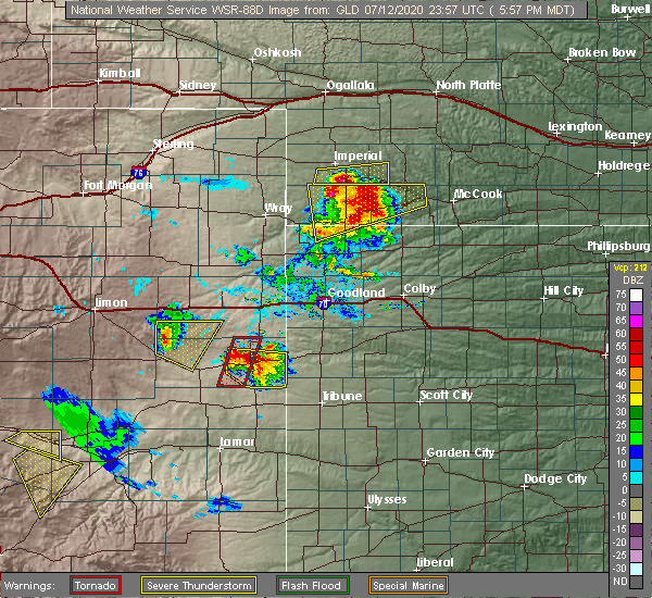 Radar Image for Severe Thunderstorms near Cheyenne Wells, CO at 7/12/2020 6:05 PM MDT