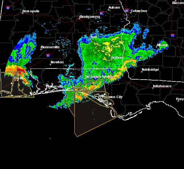 Radar Image for Severe Thunderstorms near Lynn Haven, FL at 7/12/2020 8:06 PM CDT