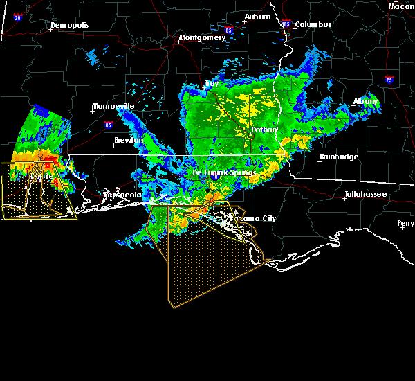 Radar Image for Severe Thunderstorms near Lynn Haven, FL at 7/12/2020 8:14 PM CDT
