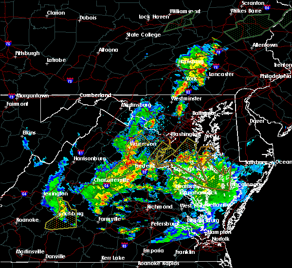 Radar Image for Severe Thunderstorms near Chantilly, VA at 7/1/2015 12:15 AM EDT