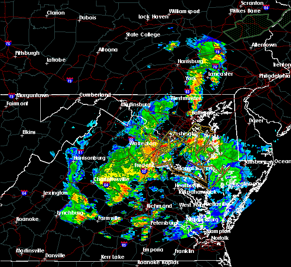 Radar Image for Severe Thunderstorms near Seven Corners, VA at 7/1/2015 1:00 AM EDT