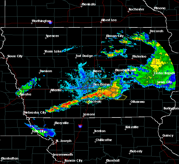 Radar Image for Severe Thunderstorms near Lacona, IA at 7/14/2020 9:28 PM CDT