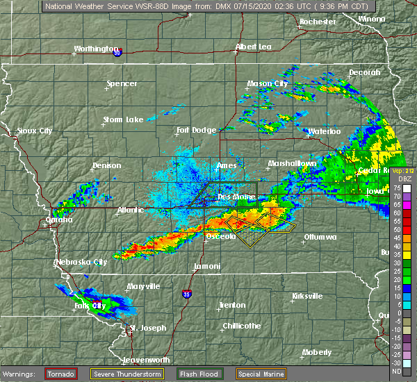 Radar Image for Severe Thunderstorms near Williamson, IA at 7/14/2020 9:38 PM CDT