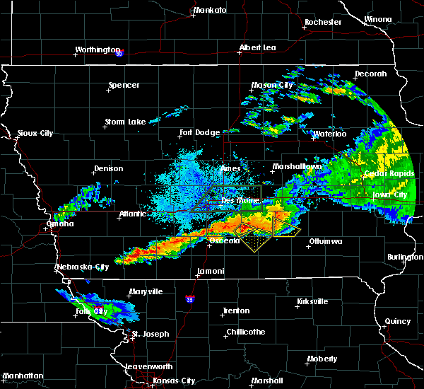 Radar Image for Severe Thunderstorms near Lacona, IA at 7/14/2020 9:45 PM CDT