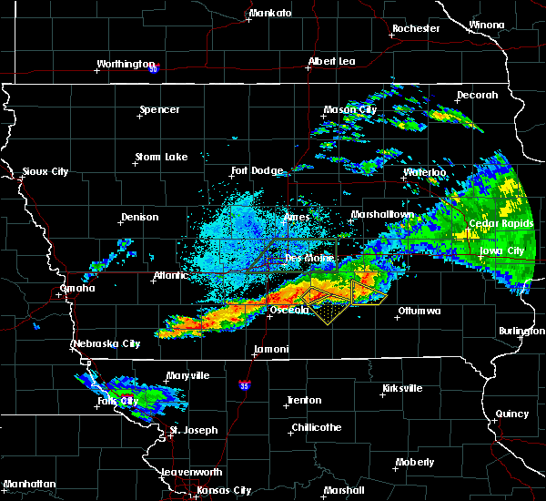 Radar Image for Severe Thunderstorms near Lacona, IA at 7/14/2020 9:51 PM CDT