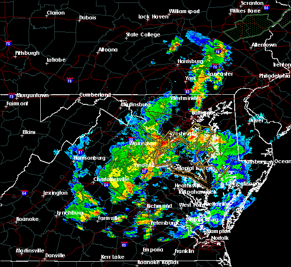 Radar Image for Severe Thunderstorms near Burke, VA at 7/1/2015 1:00 AM EDT