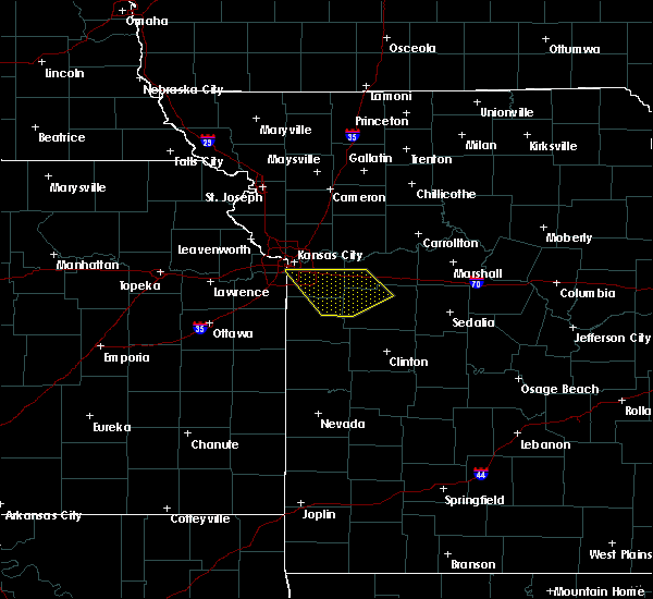 Radar Image for Severe Thunderstorms near Lone Jack, MO at 7/1/2015 1:27 AM CDT