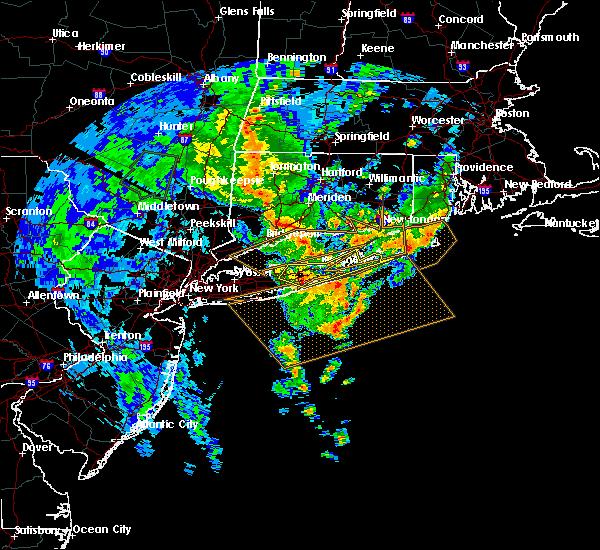 Radar Image for Severe Thunderstorms near Shoreham, NY at 7/1/2015 6:05 AM EDT