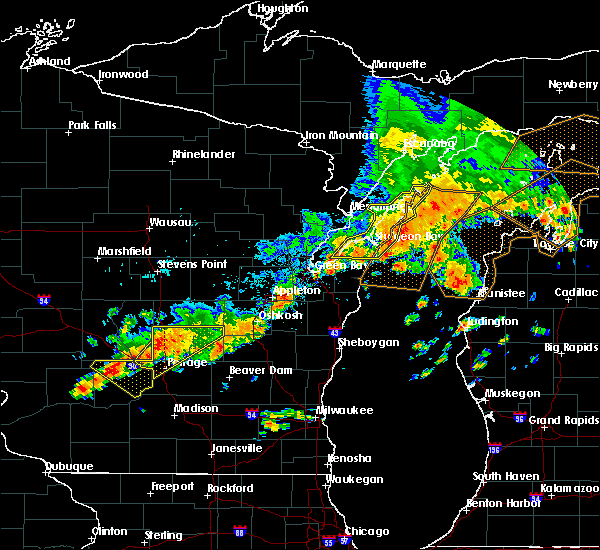 Radar Image for Severe Thunderstorms near Sturgeon Bay, WI at 7/19/2020 4:23 AM CDT