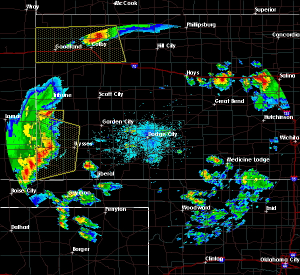 Radar Image for Severe Thunderstorms near Ulysses, KS at 7/20/2020 10:10 PM CDT