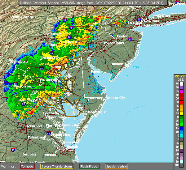 Radar Image for Severe Thunderstorms near Lansdowne, MD at 7/22/2020 5:13 PM EDT