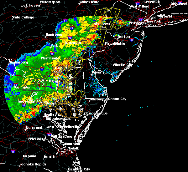 Radar Image for Severe Thunderstorms near Lansdowne, MD at 7/22/2020 5:24 PM EDT