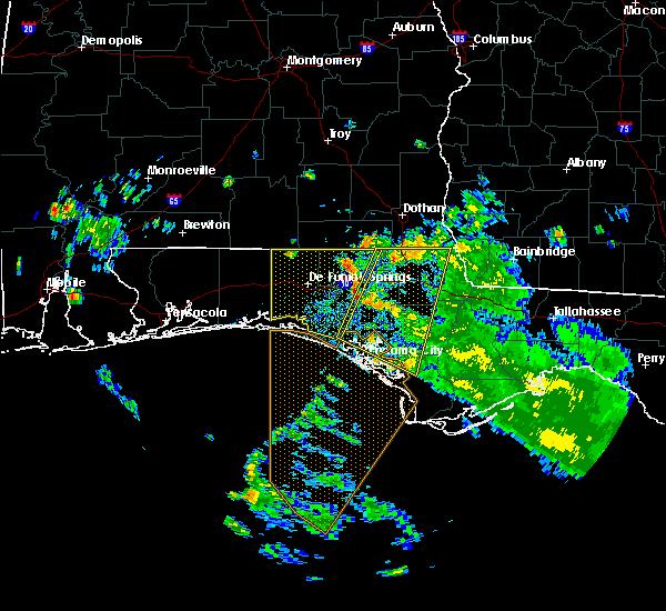 Radar Image for Severe Thunderstorms near Lynn Haven, FL at 7/22/2020 5:56 PM CDT