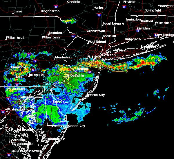 Radar Image for Severe Thunderstorms near Kendall Park, NJ at 7/24/2020 1:11 AM EDT