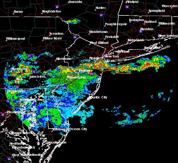 Radar Image for Severe Thunderstorms near Kendall Park, NJ at 7/24/2020 1:16 AM EDT
