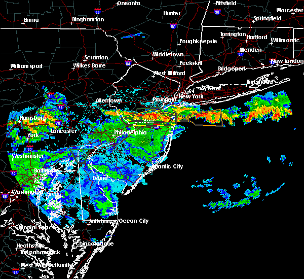 Radar Image for Severe Thunderstorms near Kendall Park, NJ at 7/24/2020 1:37 AM EDT