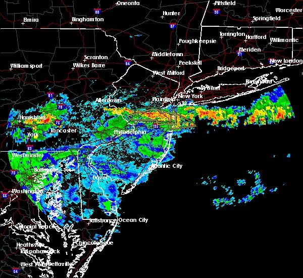 Radar Image for Severe Thunderstorms near Kendall Park, NJ at 7/24/2020 1:52 AM EDT