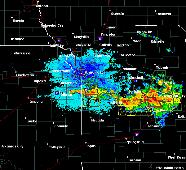 Radar Image for Severe Thunderstorms near Adrian, MO at 7/1/2015 9:50 PM CDT